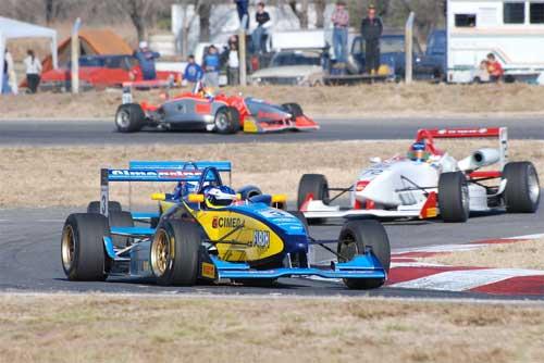 F3 Sulamericana: Denis Navarro conquista a 4ª colocação em Cordoba nesse sábado