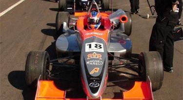 F3 Sulamericana: Falha no motor impede Vinícius Quadros de lutar pela pole