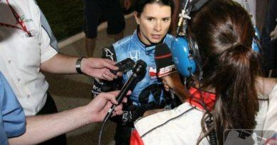 IRL: Danica Patrick se junta a Sarah Fisher