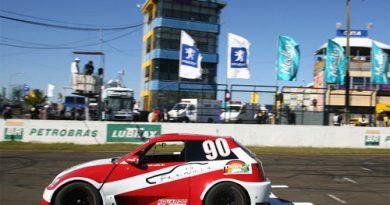 Stock Jr.: Eduardo Leite e Jason Oliveira vencem a 5ª etapa em Londrina