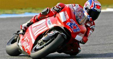 MotoGP: Casey Stoner é Campeão da temporada
