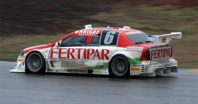 Stock: Embalado pela vitória na GT3, Feldmann busca vaga no playoff