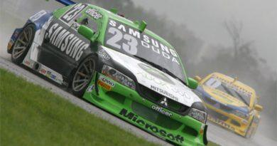 Stock: Em pista molhada Duda marca 11º tempo
