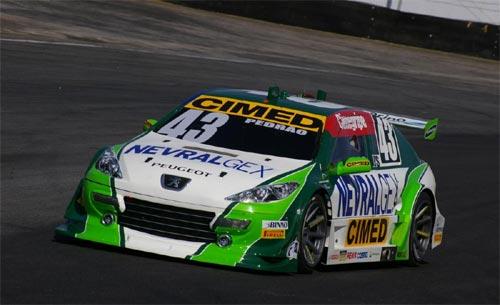 Stock: Pedro Gomes espera terminar a prova entre os dez
