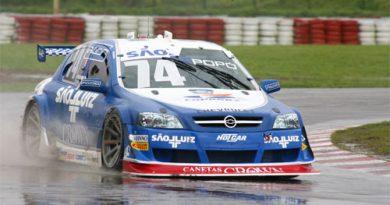 Stock: Popó Bueno aproveita primeiro treino livre para testar seu carro