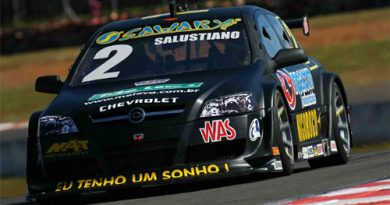 Stock: Paulo Salustiano larga da terceira fila em Londrina