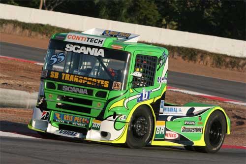 Truck: Camisa com radiador é aposta no calor de Fortaleza