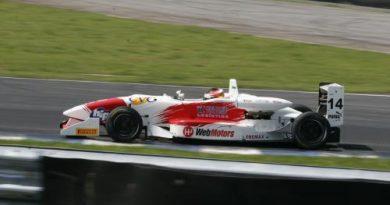 F3 Sulamericana: Dezesseis carros se preparam para a dispua da Pole nesta sexta-feira