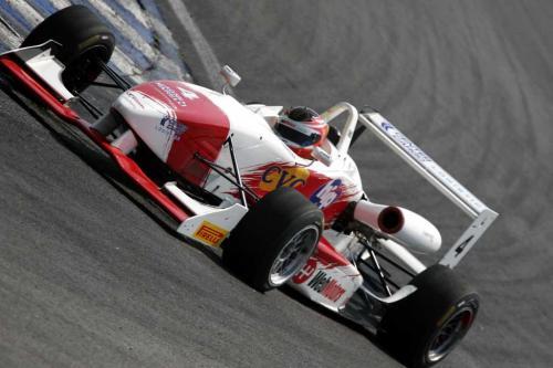F3 Sulamericana: Felipe Ferreira marca o melhor tempo na sessão mais quente do dia em Interlagos