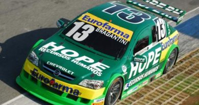 Stock Light: Bragantini larga na pole em Curitiba