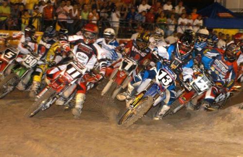 Arena Cross: Bertioga abre a temporada da maior competição do motociclismo nacional