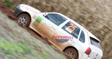 Rally: Pneus furados atrapalham planos de Brustolin e Cecconello em Erechim