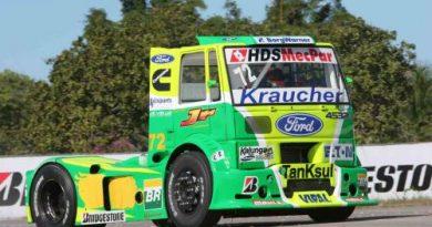 """Truck: Fogaça e Beto Monteiro """"inauguram"""" autódromo de Piracicaba (SP)"""