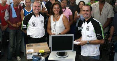 Stock: Duda Pamplona fala para alunos de escola em Interlagos