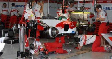 F1: Pássaro atrapalha treino da Toyota em Jerez