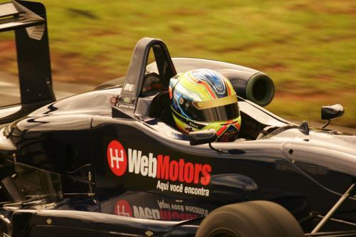F3 Sulamericana: Felipe Guimarães comemora aniversário acelerando pela primeira vez