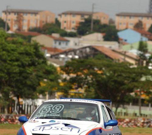 Copa Clio: Quebra de câmbio impede Schlickmann de chegar aos pontos em Londrina