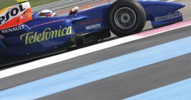 GP2 Series: Pedra fura radiador e Jimenez abandona
