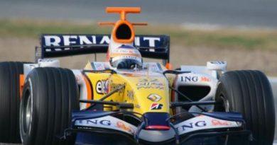 F1: Nelsinho Piquet inicia testes com a Renault no Bahrein