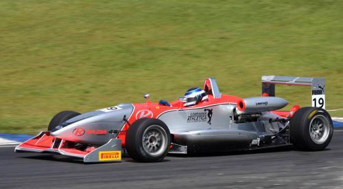 F3 Sulamericana: Para carros da F3 Sul-Americana, Tarumã é uma pista de rua