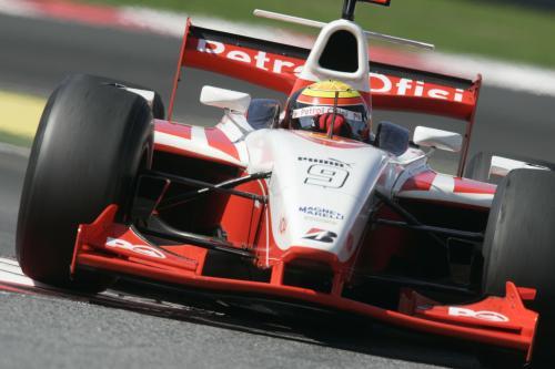 GP2 Series: Pizzonia mantém bom desempenho e é o terceiro no teste da manhã de sexta-feira