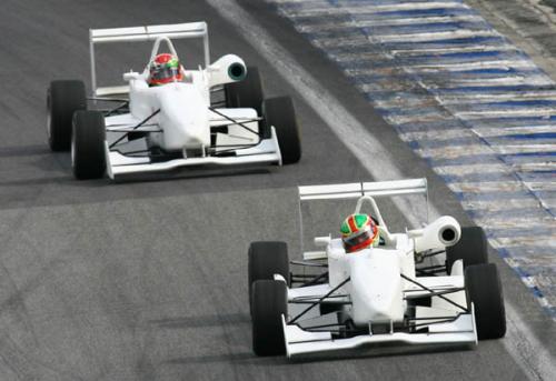 F3 Sulamericana: Razia Sports domina treinos em São Paulo
