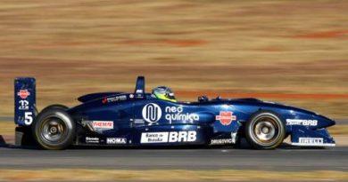 F3 Sulamericana: Sujeira na pista e clima frio atrapalham primeiro treino