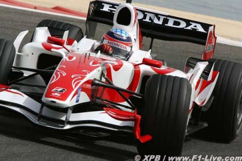 F1: Carros 'clonados' despertam polêmica