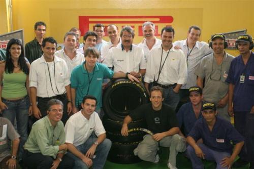 Stock: Pirelli abre as portas e recebe pilotos e chefes de equipe