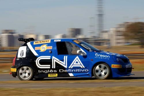 Copa Clio: Wagner Cardoso domina primeiro dia de treinos em Brasília
