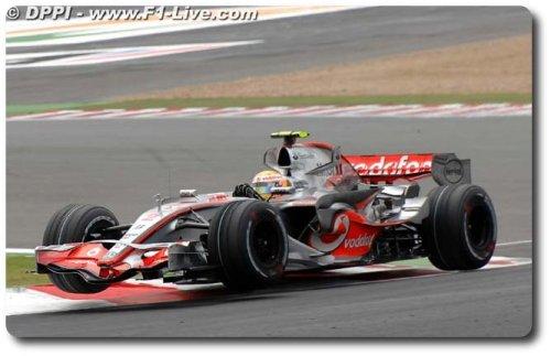 F1: Chefão declara fim da 'lua-de-mel' de Lewis Hamilton