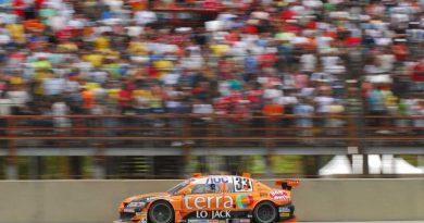 Stock: Maluhy briga pelo vice na última etapa em Interlagos