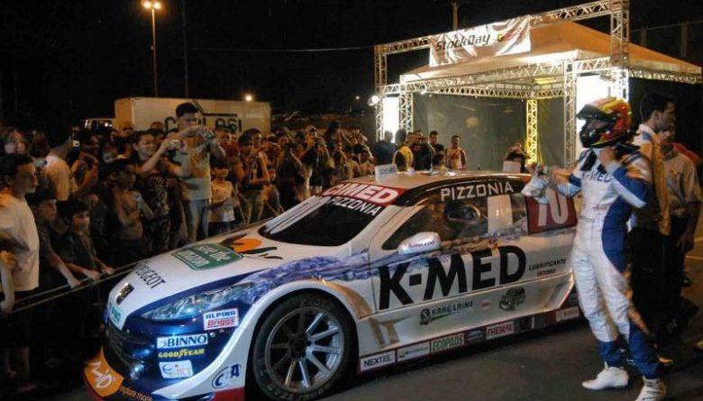 Stock: Mais de 20 mil pessoas acompanharam a apresentação do primeiro carro da Stock Car no Amazonas