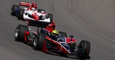 IndyCar: Bruno Junqueira consegue façanha em Richmond e, pela primeira vez no ano, garante posição de largada entre os 10 primeiros