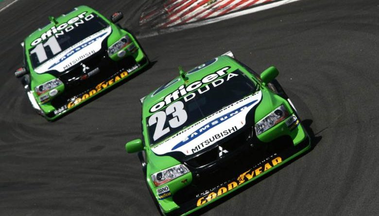 Stock Car: Officer fecha ano com saldo positivo