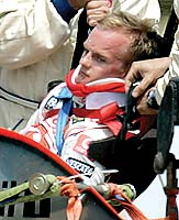 F1: Kovalainen é levado de helicóptero para hospital