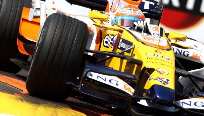 F1: Nelsinho Piquet testa com Renault em Monza
