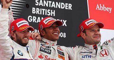 F1: Após 3º lugar, Barrichello dedica pódio ao filho