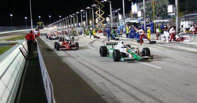 IndyCar: Tony Kanaan disputa o 90º GP na Fórmula Indy