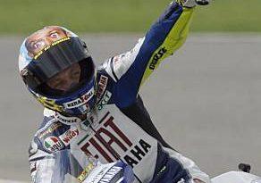 F1: Valentino Rossi testará pela Ferrari neste mês