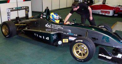 F3 Inglesa: Mineiro Victor Corrêa é convidado a testar na Fórmula 3 Inglesa