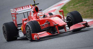 F1: Com mau início, Ferrari discute futuro de Schumacher