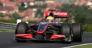 F1: Mesmo sem a Mercedes, carros da McLaren permanecerão prateados em 2010