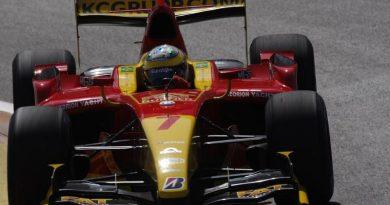 GP2 Series: Pane hidráulica tira pontos de Lucas Di Grassi
