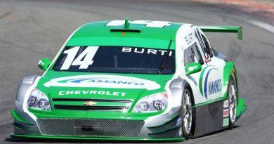 Stock Car: Burti tem dia de intenso trabalho em Interlagos