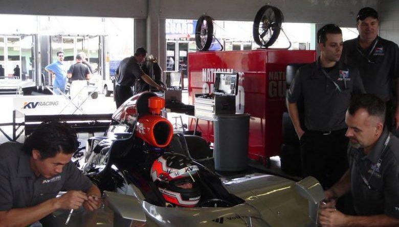 IndyCar: Quebra da suspensão abrevia corrida de Mário na Fórmula Indy