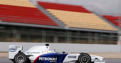 F1: Heidfeld lidera e equipe de Barrichello surpreende