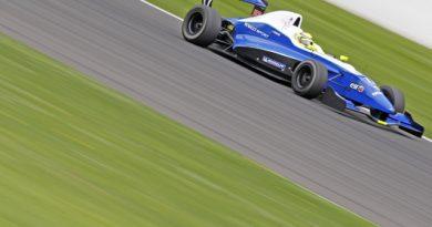 F-Renault 2.0: Sensor de ar prejudica treino de André Negrão em Spa