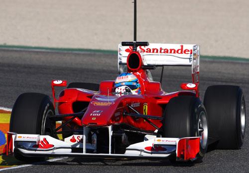 F1: Em estreia com Ferrari, Alonso 'bate' Massa e faz tempo mais rápido