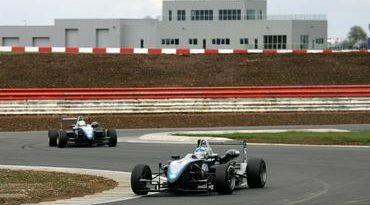 F3 Inglesa: Após vitória em Silverstone, Dias espera briga de igual para igual